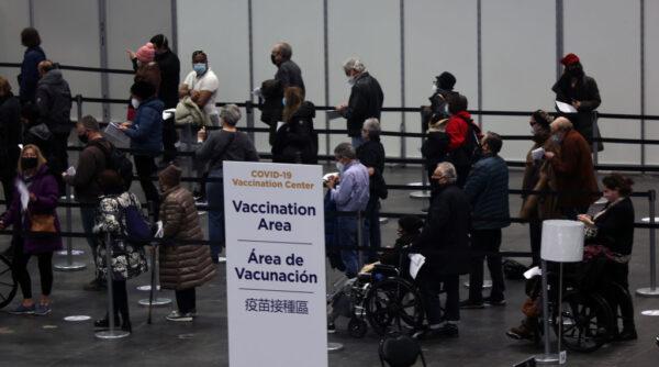聯邦法官頒緊急禁令 暫停強制紐約醫護人員打疫苗