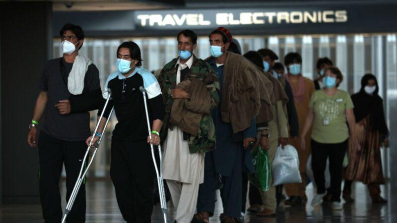 美撤军行动结束 阿富汗还有上万人寻求逃离