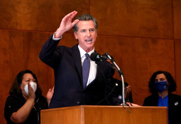 剛獲留任 加州州長紐森兩個孩子確診