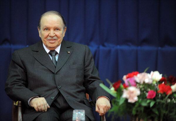 抗议声中下台 阿尔及利亚前总统包特夫里卡辞世