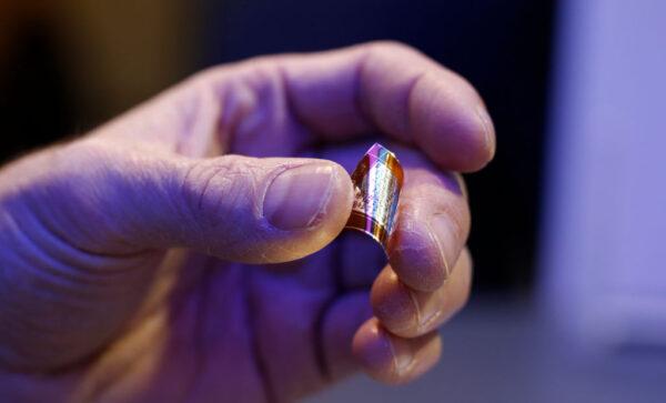 中国科学家收购石墨烯公司 英下令进行国安审查