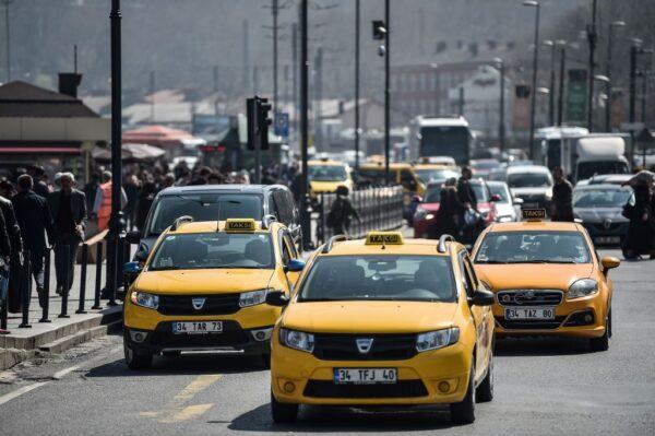憂疫情遠離大眾運輸工具 伊斯坦布爾多35萬私家車
