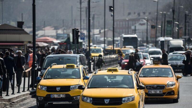 忧疫情远离大众运输工具 伊斯坦布尔多35万私家车