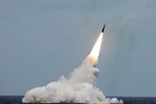 王赫:韩国研发战术核武器级导弹 暗敲中共