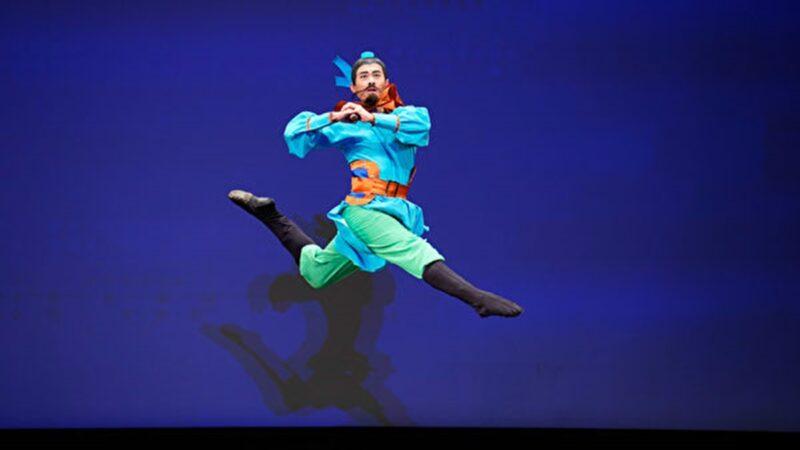 组图二:第九届中国古典舞初赛青年男子组风采