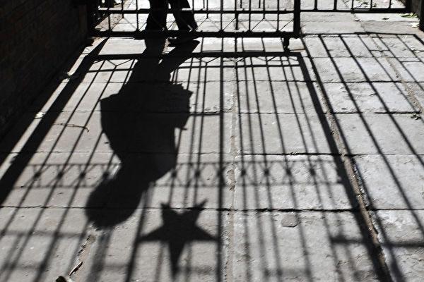 王友群:中共高級特工潘漢年被監禁至死之謎