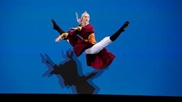 組圖六:中國古典舞大賽男子組銀獎得主風采