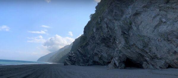 风浪阻通行 16人困南澳神秘沙滩海蚀洞(视频)