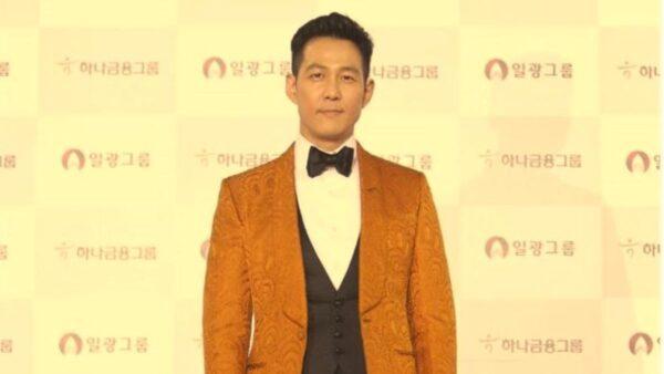 """《鱿鱼游戏》强攻90国榜首 他曝""""老人竟是男主亲爸"""" (视频)"""