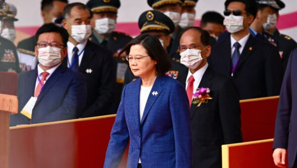 蔡英文国庆讲话:台湾人民不会在压力下屈服
