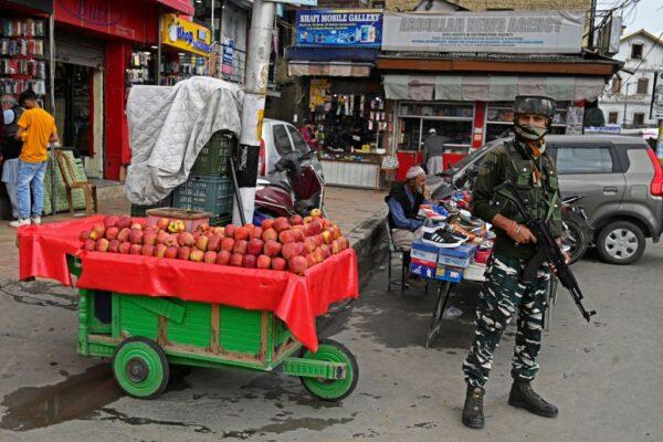 印控克什米爾與叛軍駁火 5名印度軍人陣亡