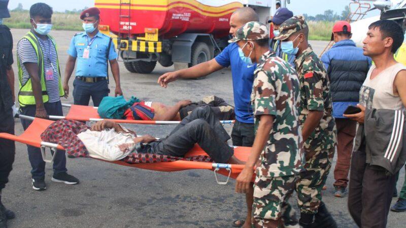 尼泊爾大巴士山區墜崖 至少28人罹難