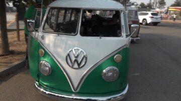 60年代大眾豪華古董車 遊遍加州受矚目
